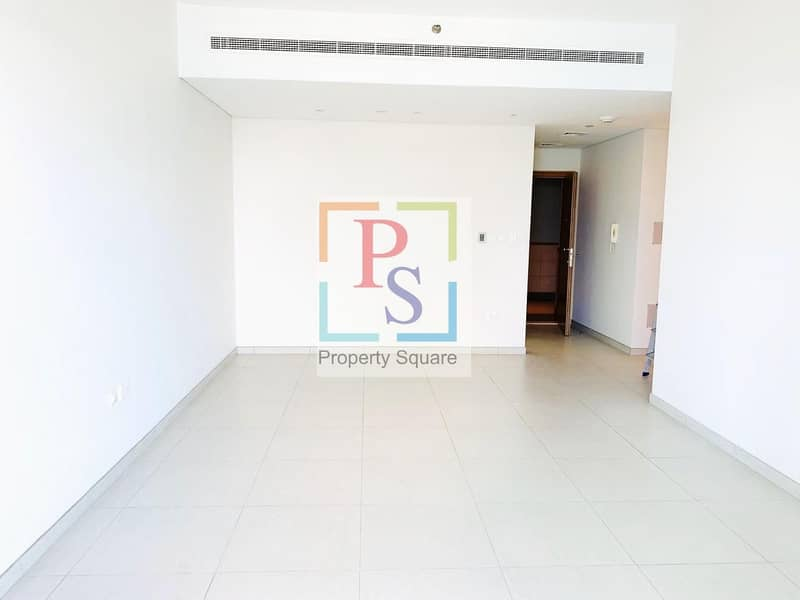 2 Excellent Sea Facing 1BR Apt with Balcony  & Close Kitchen