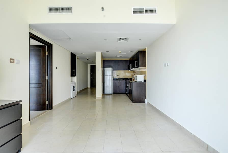 2 Partial Sea View | Middle Floor | Close to beach
