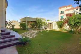 High standard 6 BR Villa with Large Garden and Pool