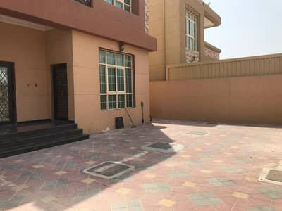 فیلا 5 غرف نوم للايجار في الروضة، عجمان - فيلا ثاني ساكن موقع ممتاز قريب الشارع قريبه جميع الخدمات