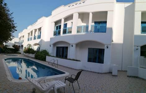 فیلا 4 غرف نوم للايجار في جميرا، دبي - فیلا في جميرا 3 جميرا 4 غرف 140000 درهم - 4781417