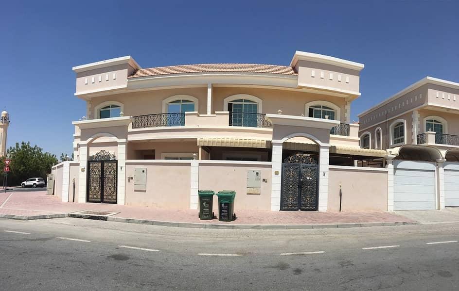 Attractive Semi-Independent 4 B/R Villa   Huge Living & Dining Area   Maid Room   Good Location