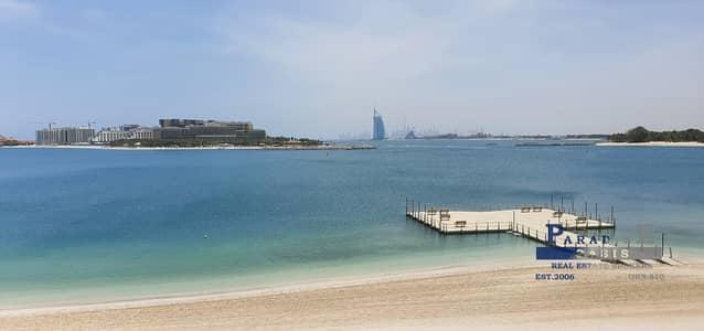 5 Bedroom Villa for Rent in Palm Jumeirah, Dubai - A Fabulous 5 bedroom Villa Full Burj Al Arab View.