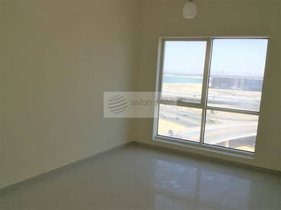 1 Bedroom Flat for Rent in Business Bay, Dubai - Spacious 1 Bedroom  | Well Maintained | Great View