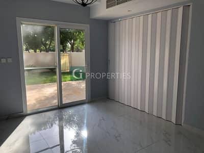 تاون هاوس 2 غرفة نوم للايجار في الينابيع، دبي - Park Entrance | Pool View | Negotiable Price