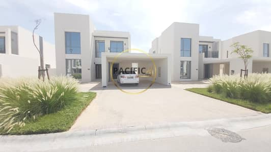4 Bedroom Villa for Rent in Dubai South, Dubai - Garden View | Independent Villa | Near Pool