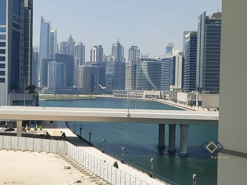 Fantastic Full Canal View-1 Bedroom  apartment-Huge Balcony in Business Bay.