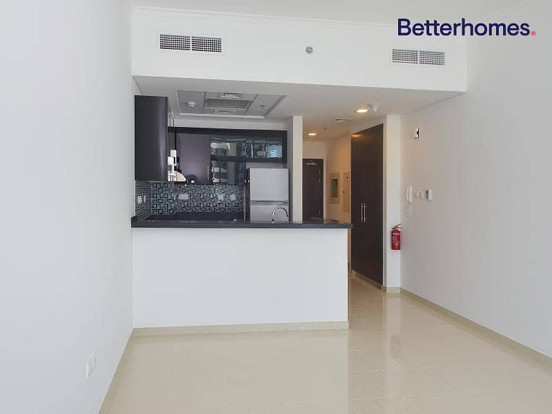 Higher Floor   Spacious   With Tenant