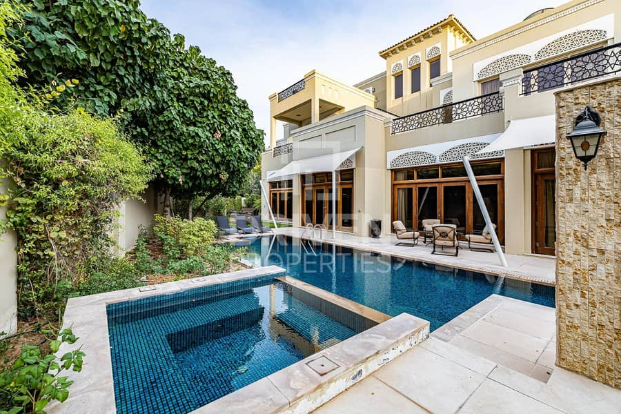 Luxurious and Huge 6 Bed Villa in Al Barari