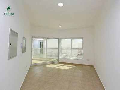 3 Bedroom Apartment for Rent in Jumeirah Lake Towers (JLT), Dubai - Amazing 3 BR In JLT With Sea View at Low Price