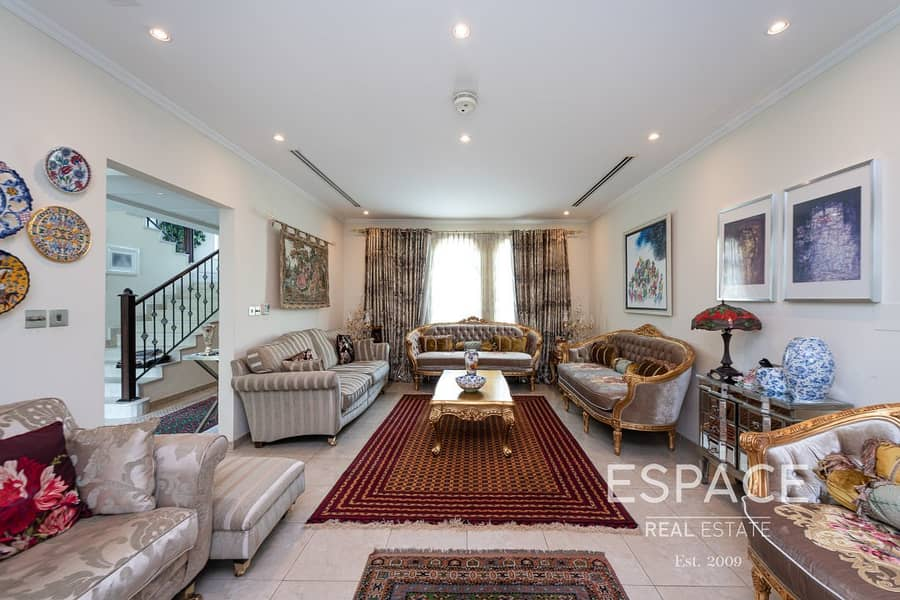 2 Legacy 3 Bed Small | Exceptional Location