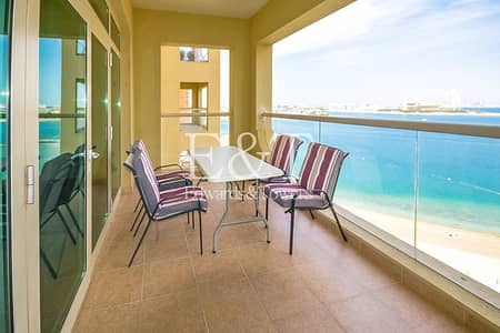 شقة 1 غرفة نوم للايجار في نخلة جميرا، دبي - Beautiful Sea View   1 BR Partly Furnished   PJ