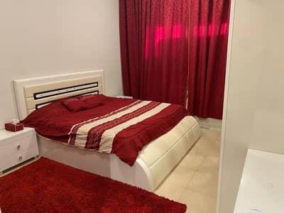 شقة 2 غرفة نوم للايجار في شارع الشيخ مكتوم بن راشد، عجمان - 2 bedroom hall fully furnished apartment with parking