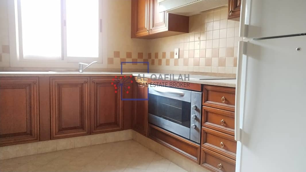 10 One minutes from metro | Huge size | Close spacious kitchen