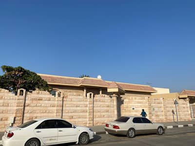 For sale villa Al-Tarfa / Sharjah