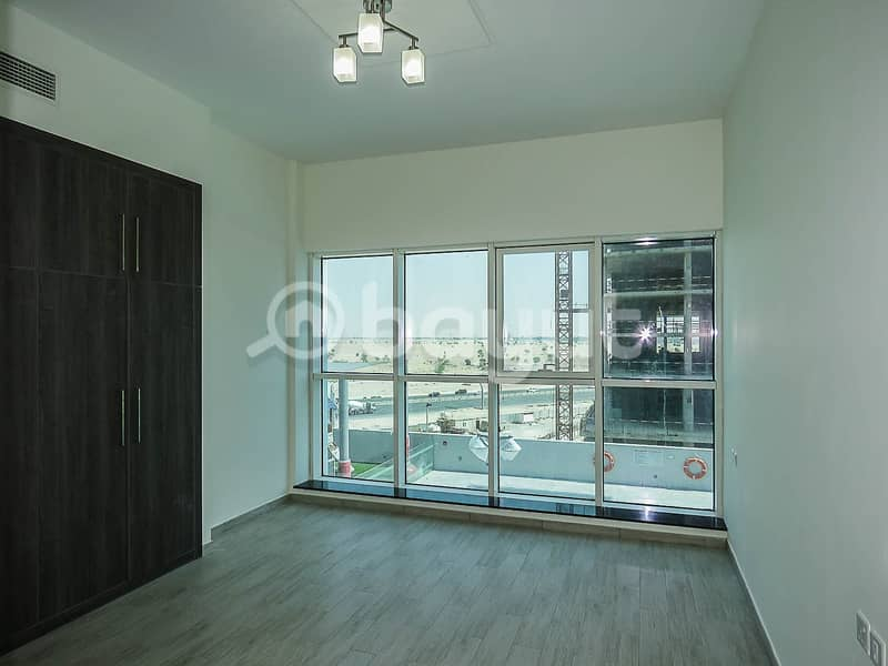 18 Large 2BR | 1 Month Free  |Closed Kitchen | Balcony
