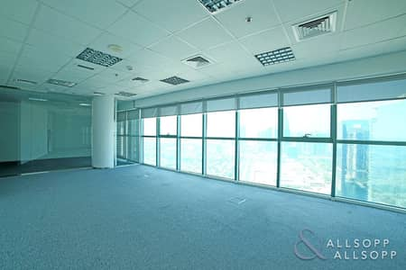 مکتب  للايجار في أبراج بحيرات الجميرا، دبي - Fitted Office | Partitioned | Available Now