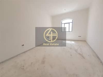 فیلا 5 غرف نوم للبيع في جنوب الشامخة، أبوظبي - Luxurious  5BR Villa with Modern Finishing