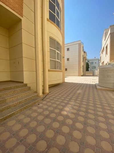 شقة 1 غرفة نوم للايجار في بين الجسرين، أبوظبي - شقة في بين الجسرين 1 غرف 38000 درهم - 4783368
