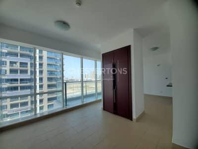 استوديو  للايجار في مدينة دبي الرياضية، دبي - Huge Studio | 2 windows | Full Kichen