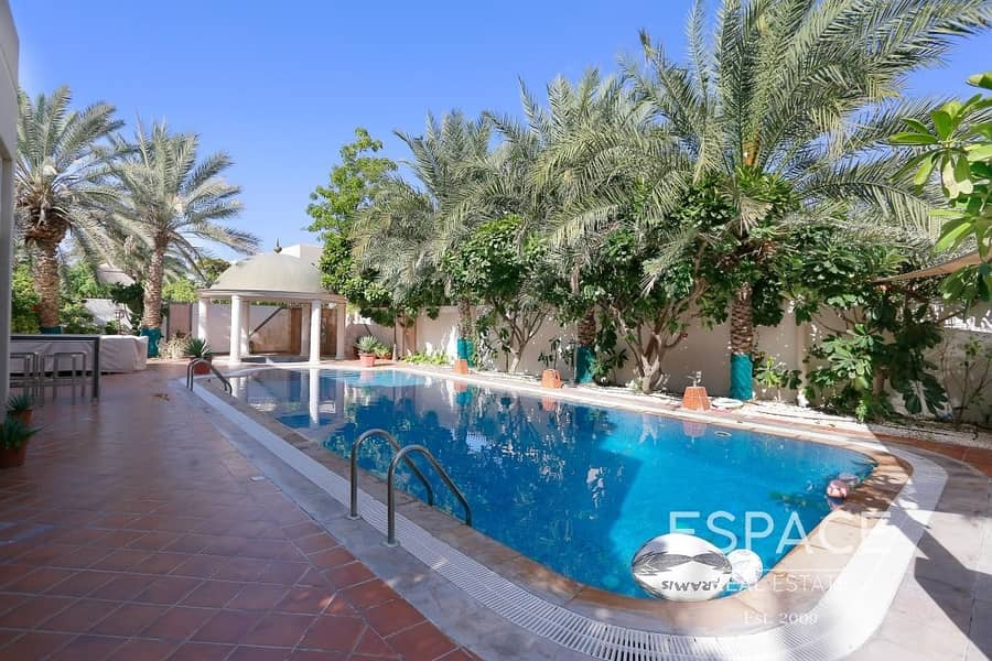 Type 5 - Private Pool - Great Location
