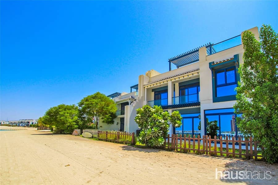 Upgraded 5 Bed Palma Residences Townhouse