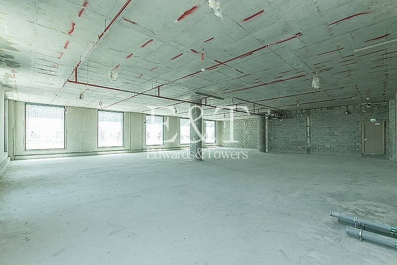2 Excellent Location Building Top Class Facility