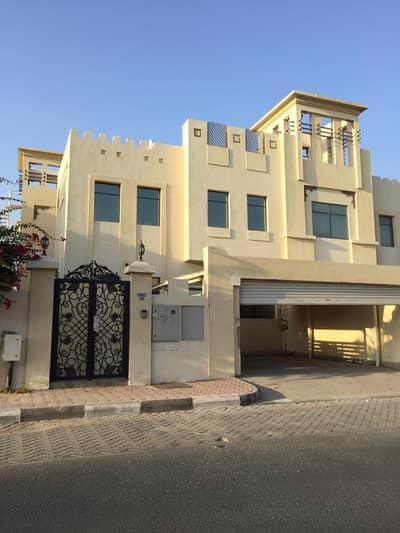 فیلا 5 غرف نوم للايجار في شرقان، الشارقة - فیلا في شرقان 5 غرف 95000 درهم - 4783906