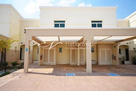 2 Bedroom Townhouse for Sale in Al Ghadeer, Abu Dhabi - An Affordable and Comfy Townhouse w/ Garden
