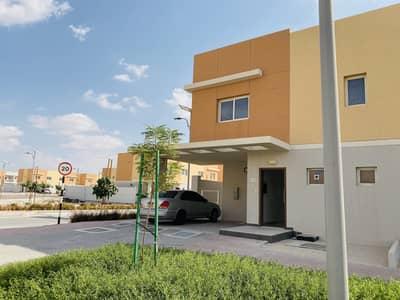فیلا 5 غرف نوم للايجار في السمحة، أبوظبي - Brand New Corner Villa With Out Side Kitchen.