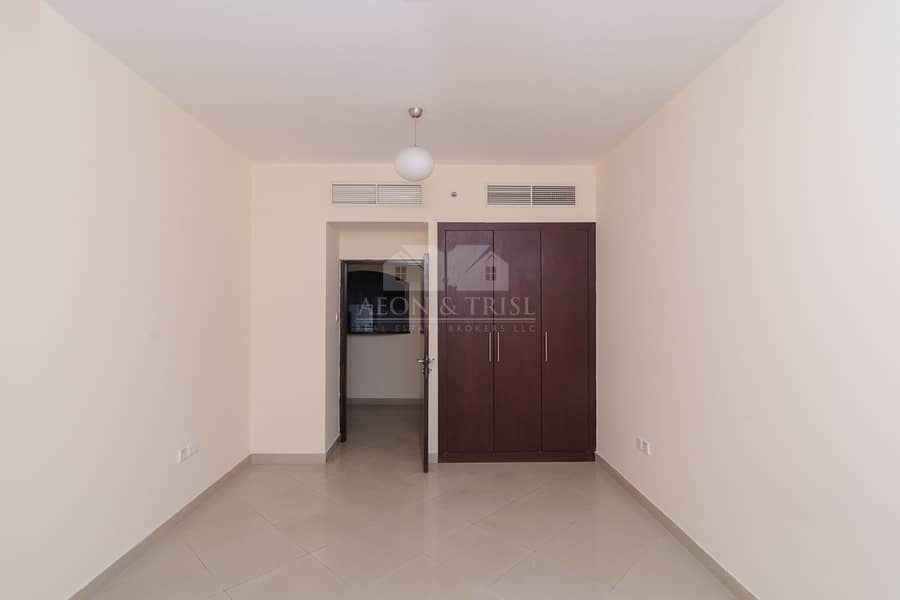 Fully Furnished with 2 bedroom Apartment