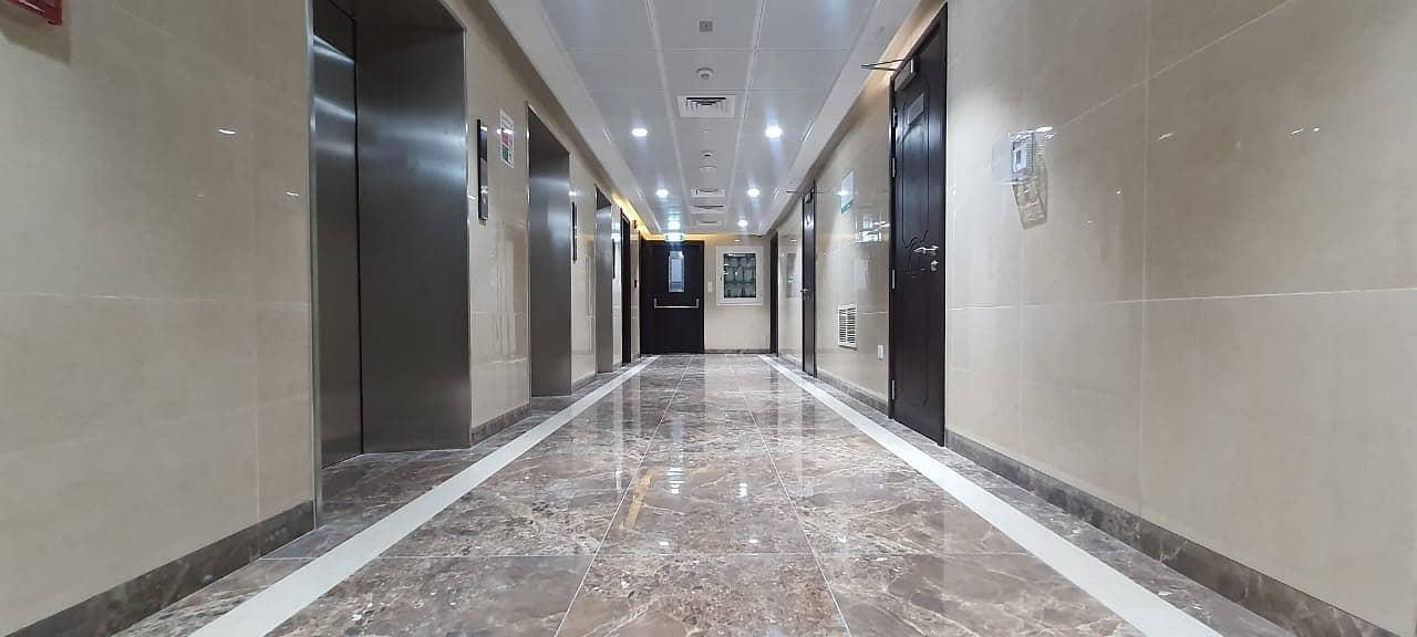 شقة في شارع الشيخ خليفة بن زايد 2 غرف 55000 درهم - 4784519
