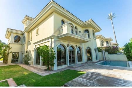 5 Bedroom Villa for Sale in Palm Jumeirah, Dubai - Immaculate Condition | Marina View |  5BR Atrium Entry