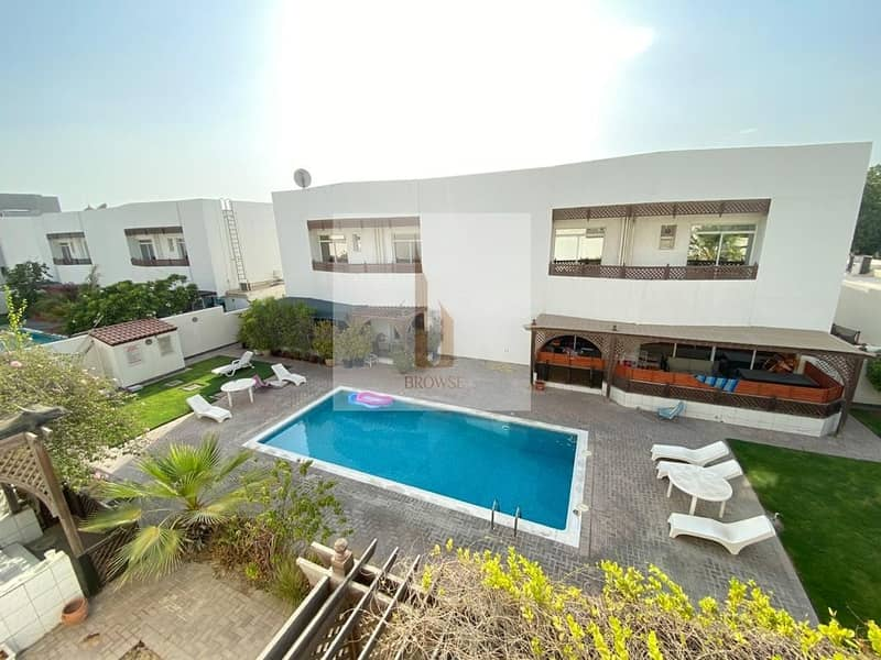 31 4BR+Maid+Garden+Outside Sitting Area+Shared Pool