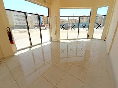محل تجاري  للايجار في تجارية مويلح، الشارقة - محل تجاري في تجارية مويلح 7000 درهم - 4755521