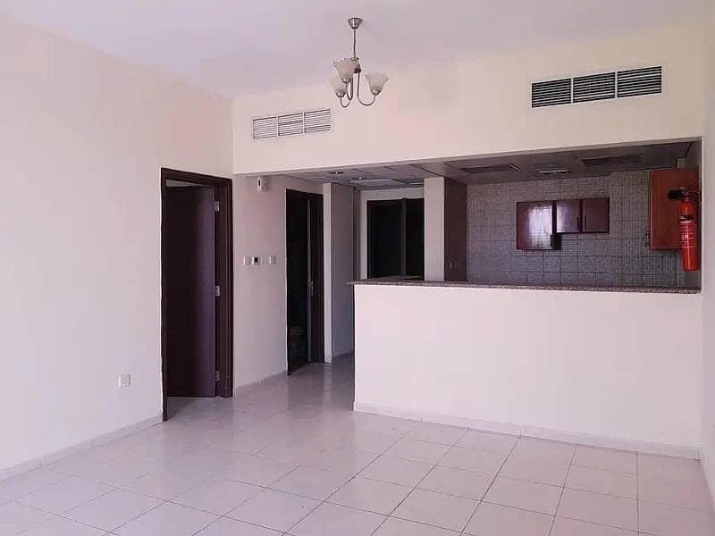 شقة في الحي الإسباني المدينة العالمية 2 غرف 39000 درهم - 4784957