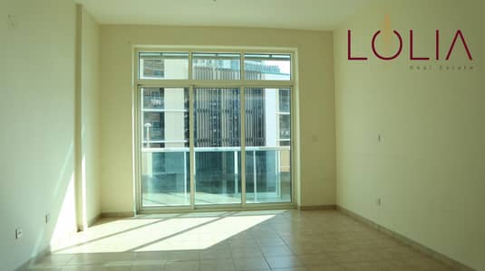 استوديو  للايجار في البرشاء، دبي - Large & Clean | Studio Apart with Balcony