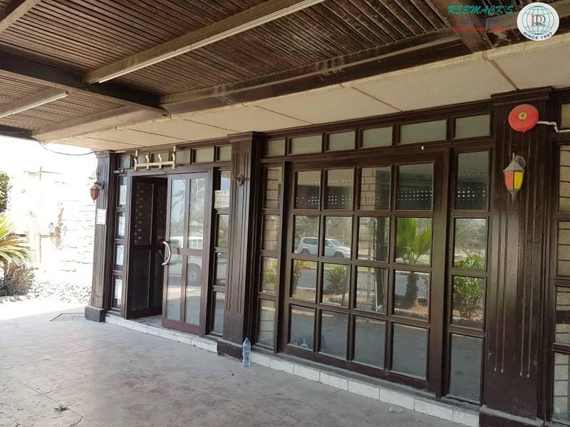 2 3 DOOR SHOPS IN AL KHAN AREA