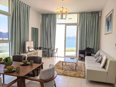 1 Bedroom Flat for Rent in Palm Jumeirah, Dubai - Luxurious 1BR with Stunning Sea Views on Palm Jumeirah