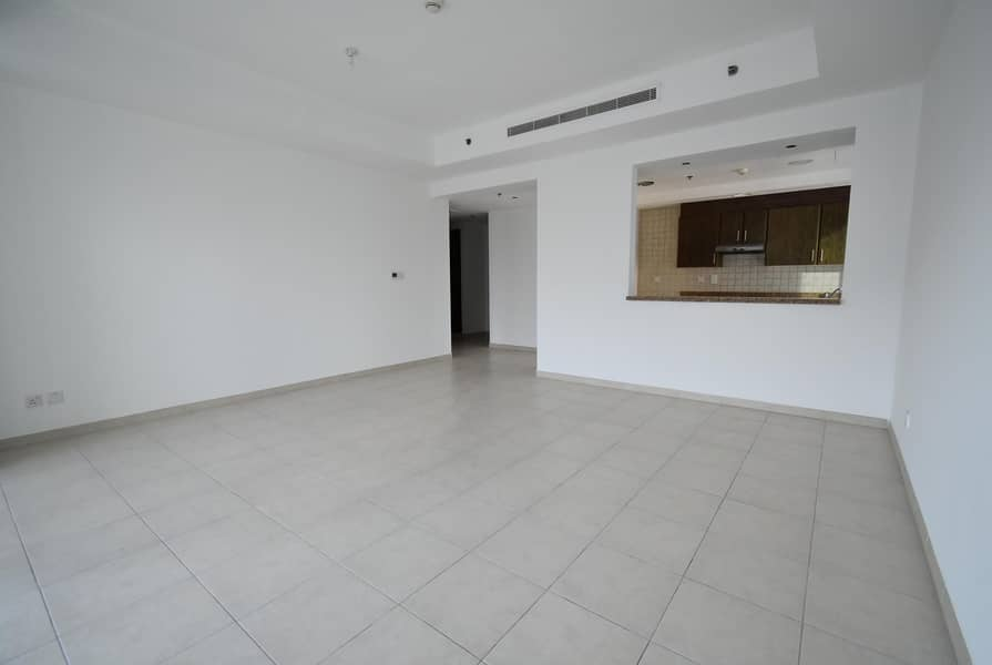 2 Large 2Bedroom | Balcony | Chiller Free