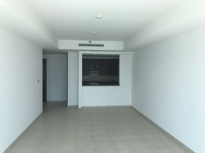 10 Large 2Bedroom | Balcony | Chiller Free