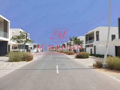 تاون هاوس في ياس ايكرز جزيرة ياس 4 غرف 210000 درهم - 4785856