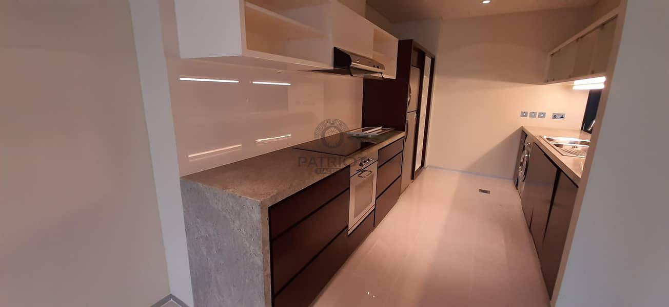 2 30 Days Free   Chiller Free   Serious Tenants Only   2 Beds   Next to Metro