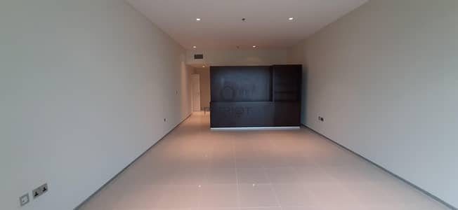 30 Days Free   Chiller Free   Serious Tenants Only   2 Beds   Next to Metro