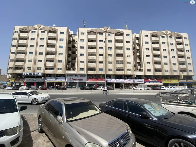 2 1 B/R HALL FLAT AVAILABLE IN INDUSTRIAL AREA NO.1