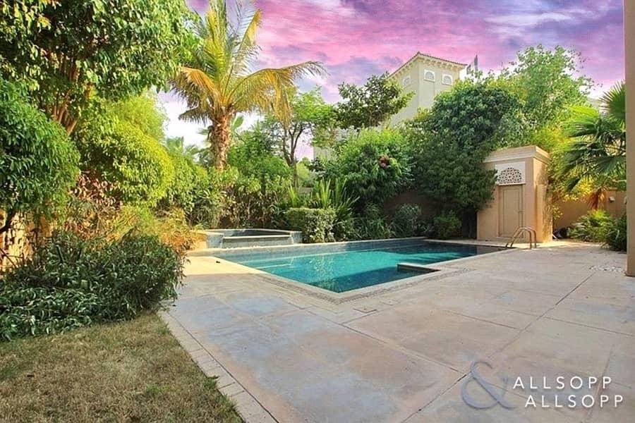 5Bed D Type | Immaculate | Lake View | Vacant