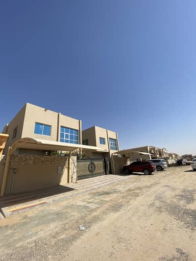 For rent villa in alrawda1 second plot from main road very clean house