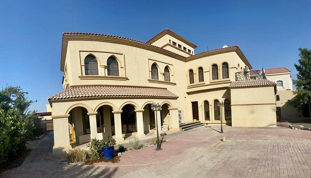 Fabulous & Huge Independent 4 B/R Villa | Modern Design | Maid Room | Big Garden