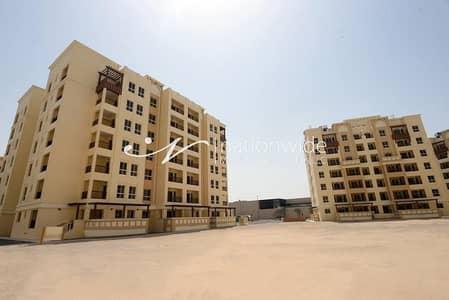 استوديو  للايجار في بني ياس، أبوظبي - Experience A Comfortable Life In This Unit