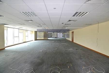 طابق تجاري  للايجار في أبراج بحيرات الجميرا، دبي - Full Floor | Fitted | For Rent in JLT.